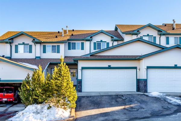 122 Bow Ridge Crescent, Cochrane