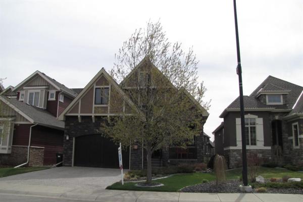 33 Cranbrook Heights SE, Calgary
