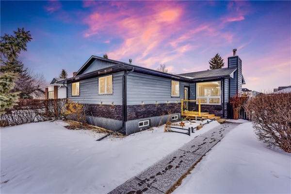 1439 Mccrimmon Drive, Carstairs