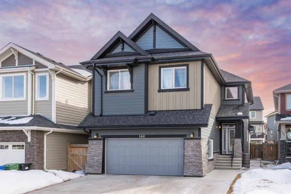 148 VALLEY POINTE Place NW, Calgary