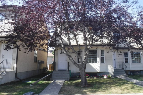 120 First Street East, Cochrane