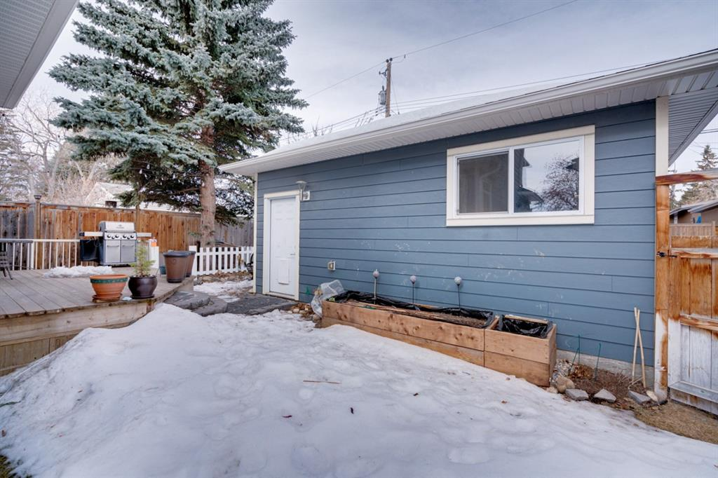 Listing A1076379 - Large Photo # 34