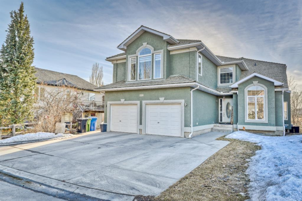 339 Lakeside Greens Court, Chestermere