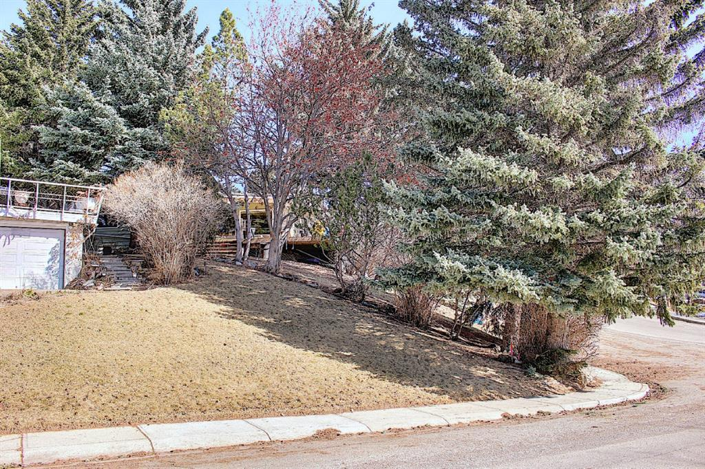 Listing A1083186 - Large Photo # 3