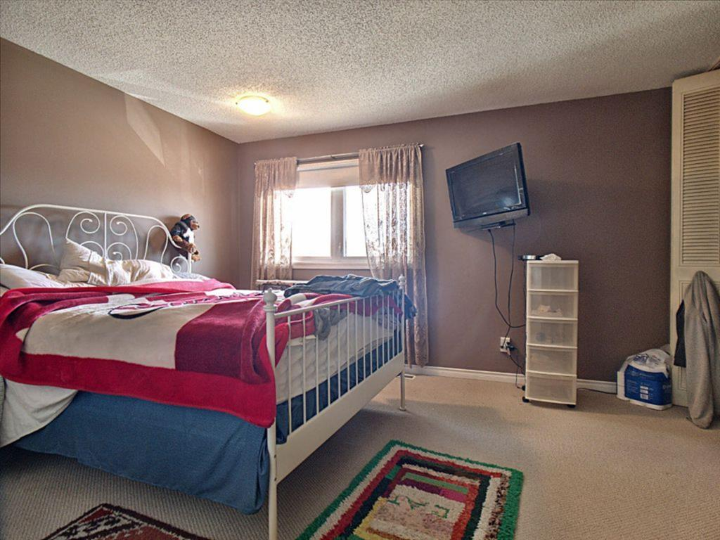 Listing A1083961 - Large Photo # 9