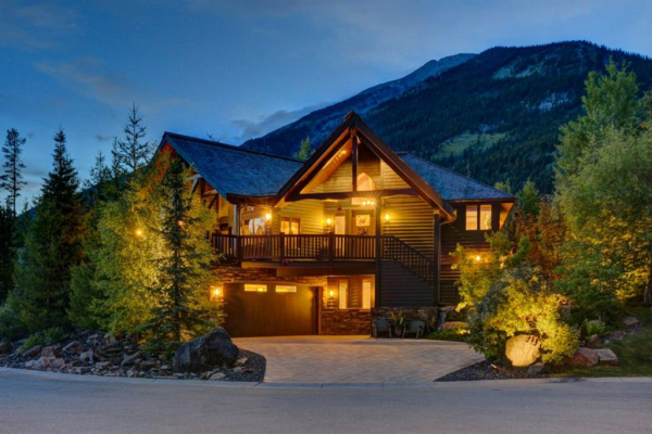 638 Silvertip Road SW, Canmore