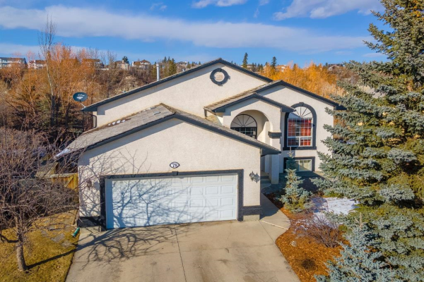 78 Bow Meadows Drive, Cochrane