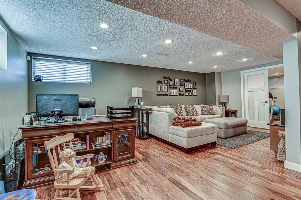 Listing A1088922 - Large Photo # 25