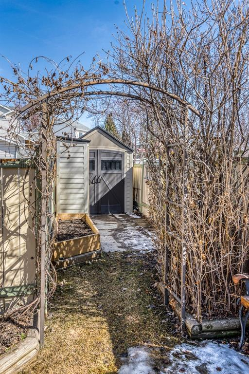 Listing A1089273 - Large Photo # 46