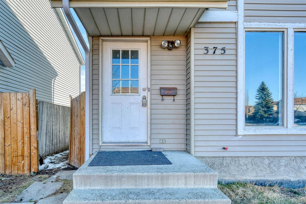Listing A1089444 - Large Photo # 3