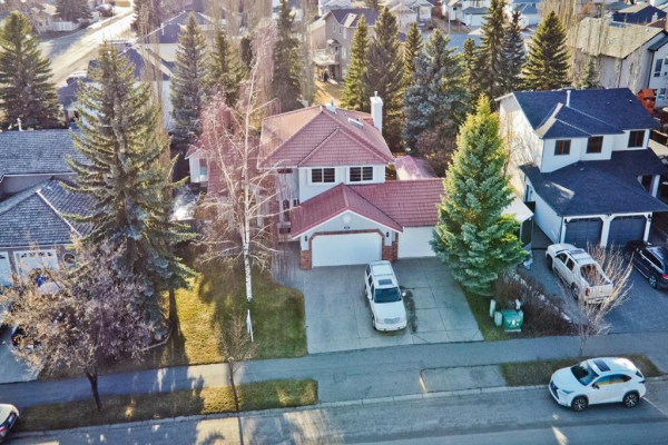 949 West Chestermere Drive, Chestermere