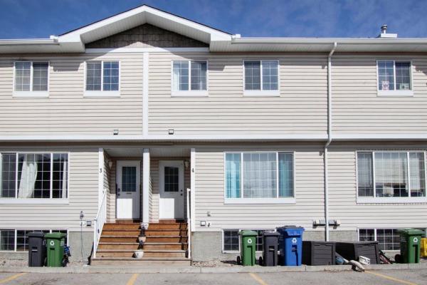 304 Ross Avenue, Cochrane