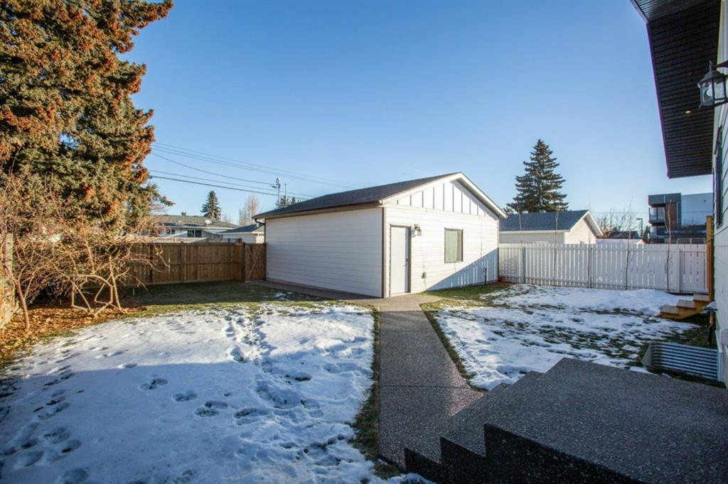 Listing A1091534 - Large Photo # 32