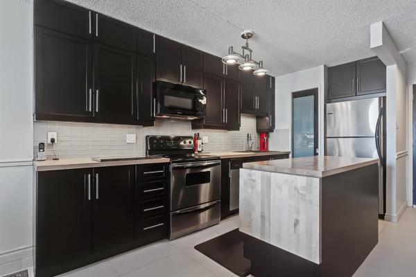 1015 14 Avenue SW, Calgary