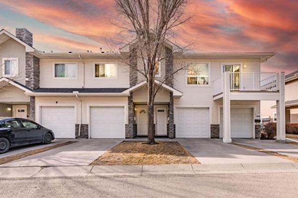 6633 Pinecliff Grove NE, Calgary