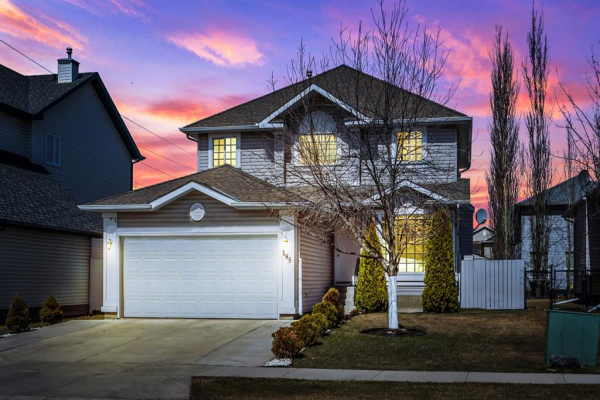 185 West Lakeview Drive, Chestermere