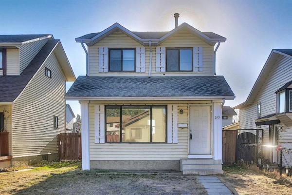 20 Castlegreen Close NE, Calgary