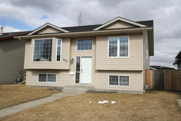 103 Lyons Close, Red Deer
