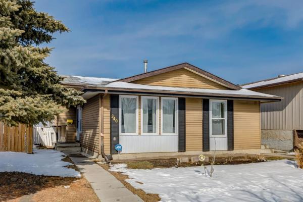 240 Beddington Drive NE, Calgary