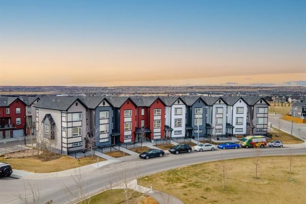 12 Evanscrest Manor NW, Calgary