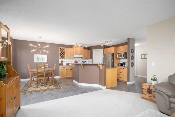 242 Citadel Estates Heights NW, Calgary
