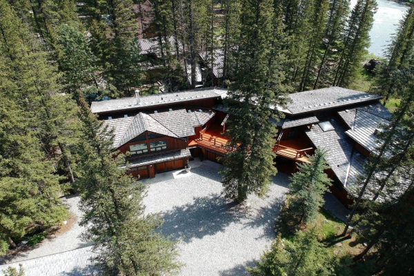 16 Yoho Tinda Road, Bragg Creek