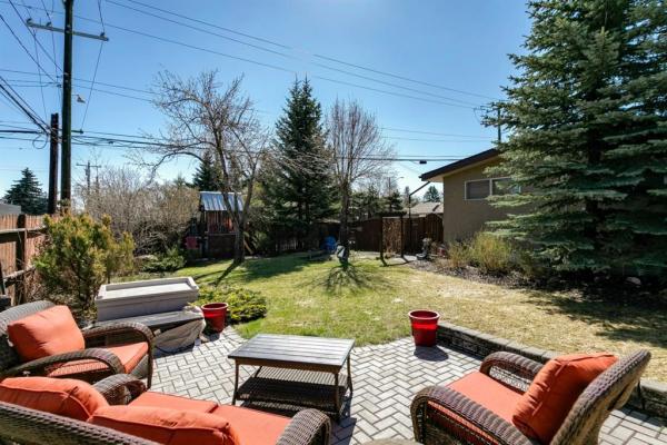 2304 54 Avenue SW, Calgary