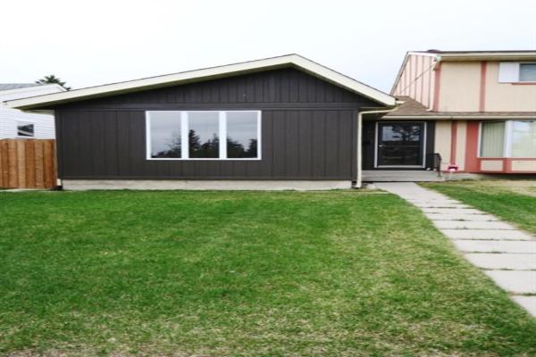 10 Falwood Crescent NE, Calgary