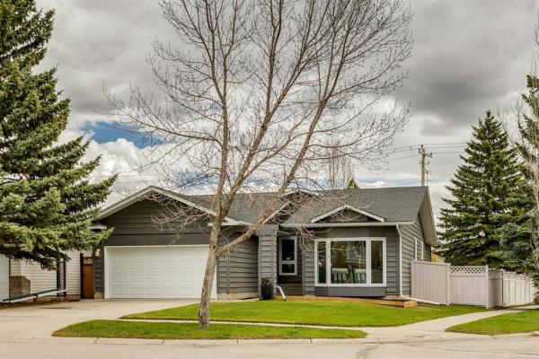 123 Woodbine Boulevard SW, Calgary