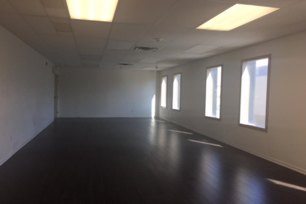 126 16 Avenue NE, Calgary