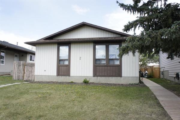 96 Bedford Drive NE, Calgary