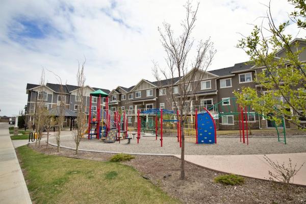 623 Evanston Manor NW, Calgary