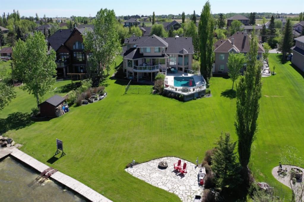 685 East Chestermere Drive, Chestermere