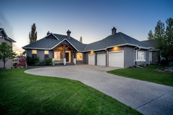 12 Heritage Lake Drive, Rural Foothills County