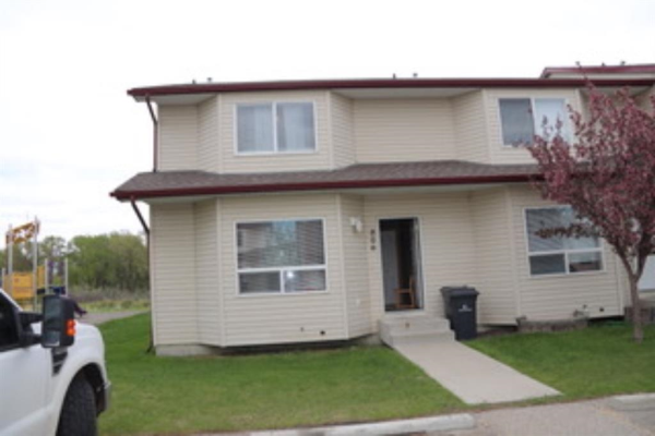 806 Eagleview Place NW, High River