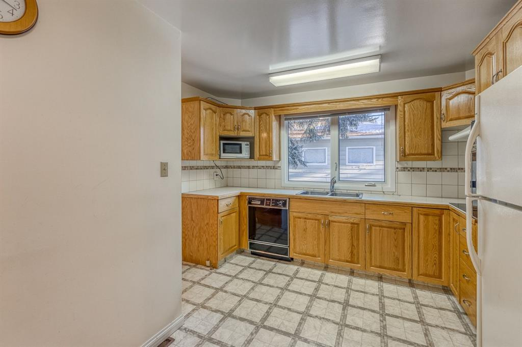 Listing A1115287 - Large Photo # 11
