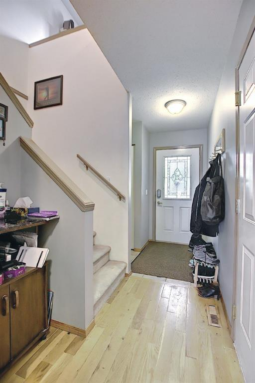Listing A1118906 - Large Photo # 4