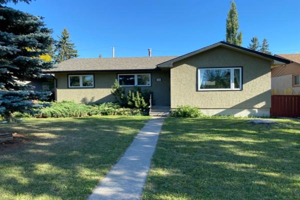 2448 Cottonwood Crescent SE, Calgary