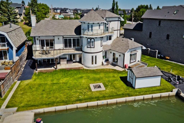 1105 East Chestermere Drive, Chestermere