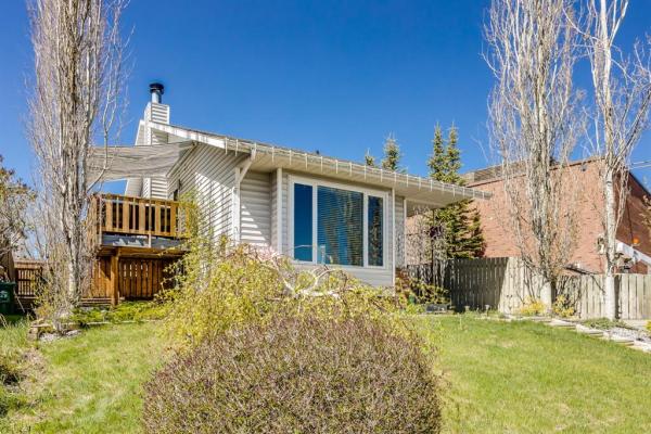 16223 6 Street SW, Calgary