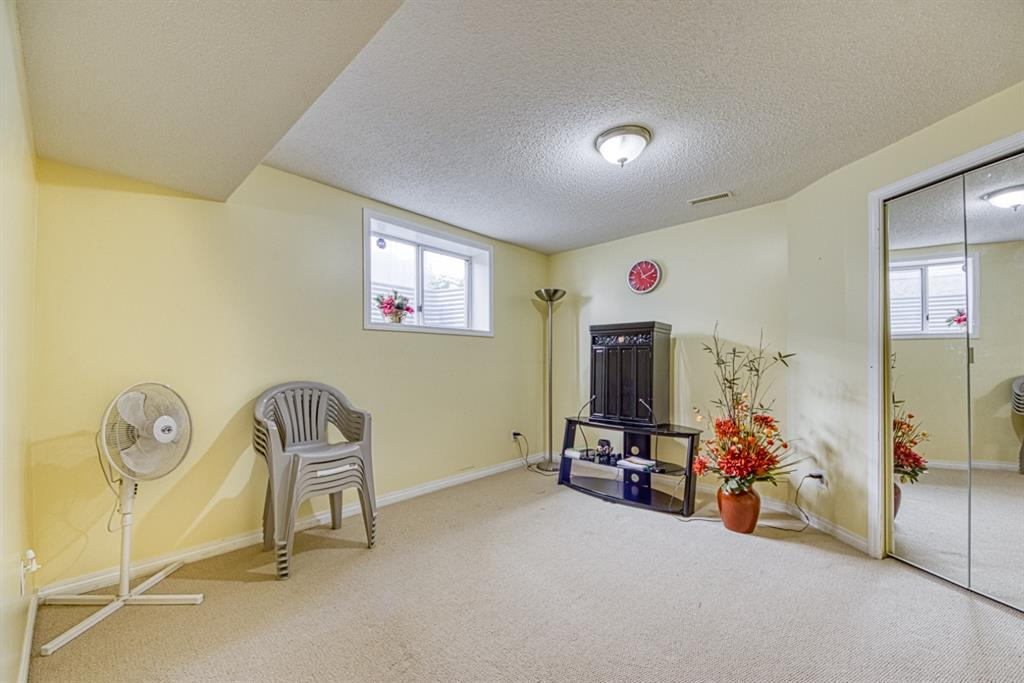 Listing A1123764 - Large Photo # 34