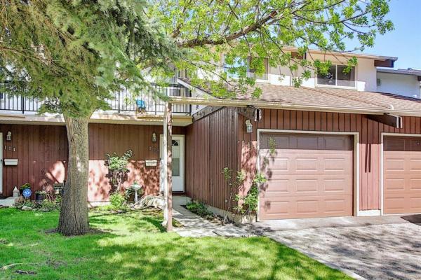 3219 56 Street NE, Calgary