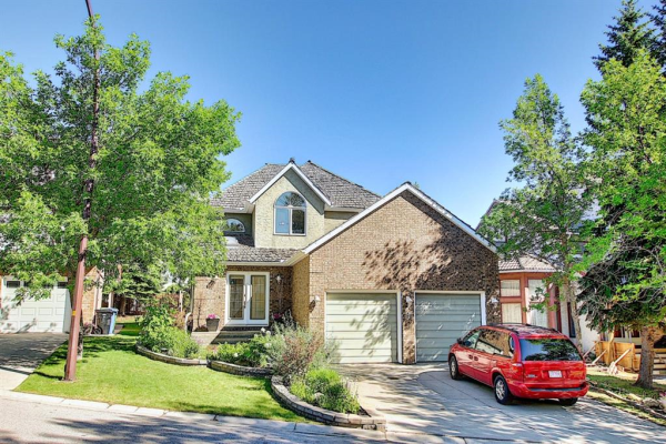 311 Edelweiss Place NW, Calgary