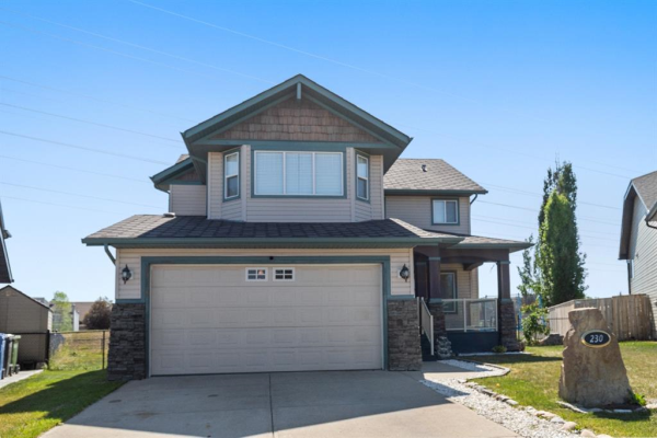 230 West Creek Mews, Chestermere