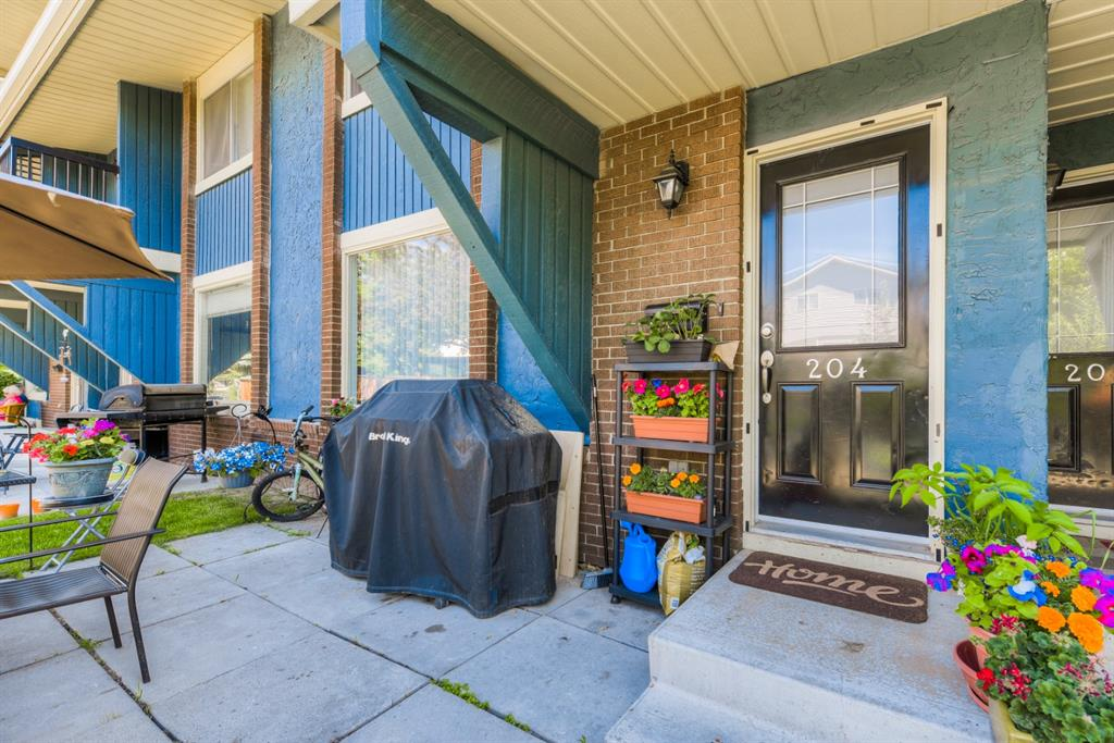 Listing A1126701 - Large Photo # 2