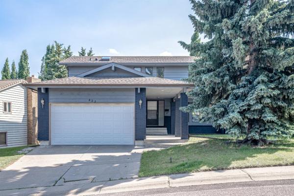 223 edgehill Drive NW, Calgary