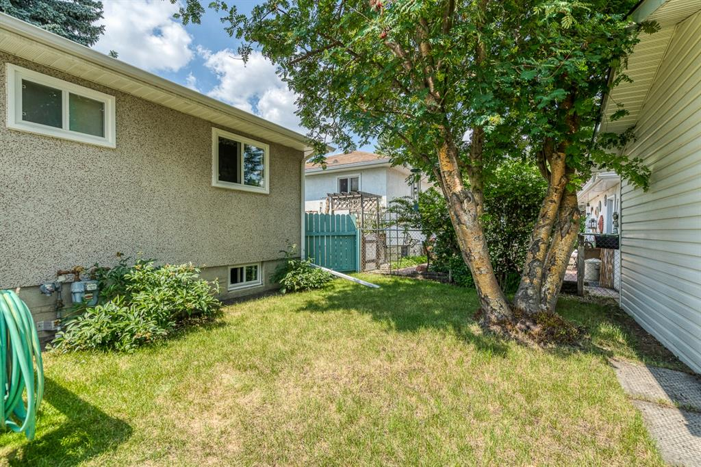 Listing A1128633 - Large Photo # 45