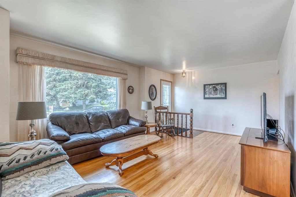 Listing A1128633 - Large Photo # 7