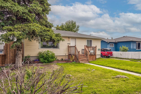 8516 Bowness Road NW, Calgary