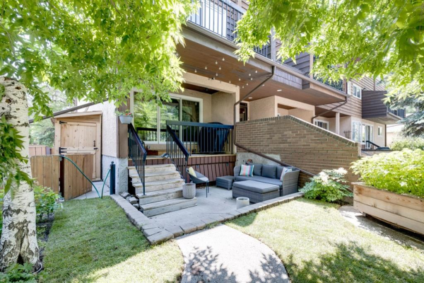 722 4A Street NE, Calgary
